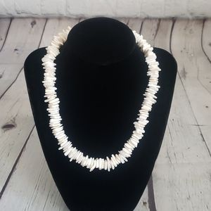 Vintage 90's Y2k White Puka Shell Necklace